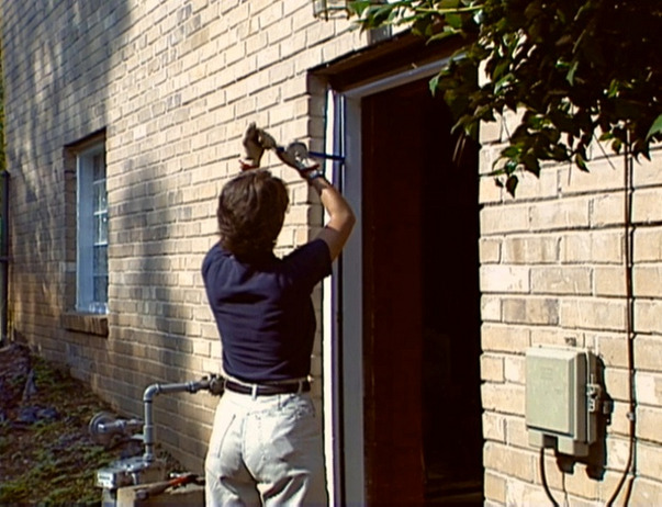 4 Steps to Fixing Your Noisy Front Door