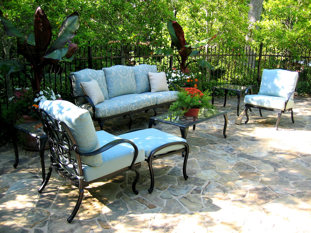 Hints On Preventing Rust On Your Metal Outdoor Furniture