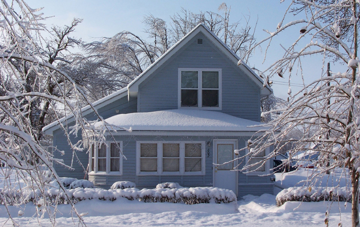 Winter-snow-covered-house-mb